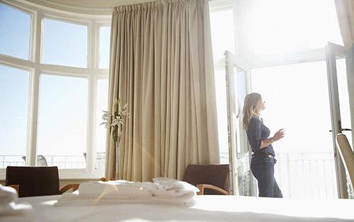 电动窗帘系统